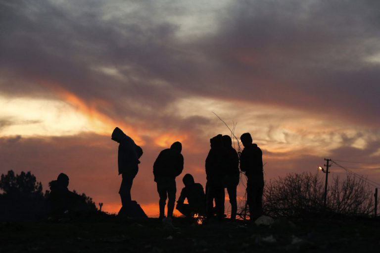 Pan-Lesvian and Mytilenean Associations unite to address growing migrant crisis