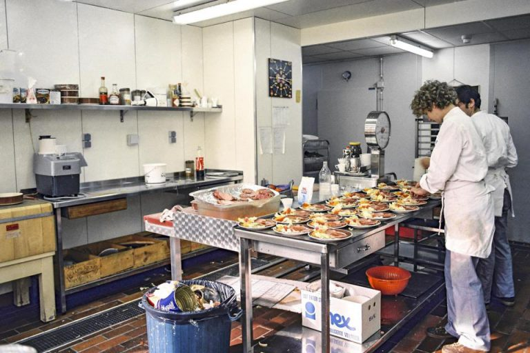 European Parliament to offer free food and shelter to homeless and healthcare workers