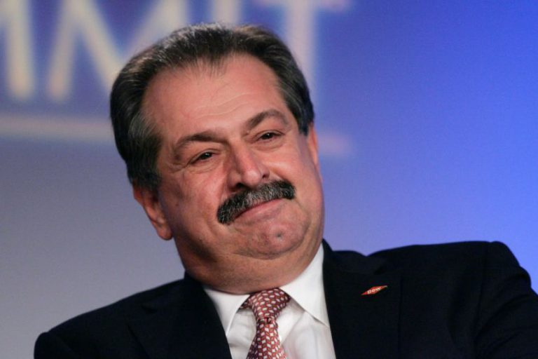 Andrew Liveris appointed co-chair of NT's Economic Reconstruction Commission