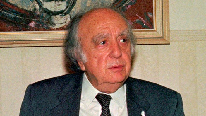 Cypriot resistance fighter and politician, Vassos Lyssarides, dies aged 100